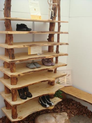 schuhregal wildholz christian holzapfel. Black Bedroom Furniture Sets. Home Design Ideas